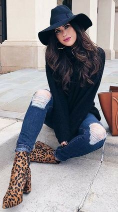 Dec 2019 - This Pin was discovered by Viajante Movel Fall Fashion Outfits, 80s Fashion, Look Fashion, Skirt Fashion, Casual Outfits, Cute Outfits, Womens Fashion, Winter Outfits 2019, E Biker