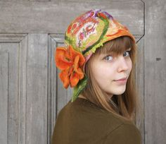 Unique felted cloche hat, retro style hat with nasturtium flower and green leaves. Beautiful Gifts, Lovely Things, Winter Accessories, Hair Accessories, Retro Fashion, Gypsy Fashion, Cloche Hat, Green And Purple, Silk Fabric