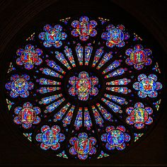 """Stained Glass Artisan Dieter Goldkuhle's creation after Rowan LeCompte's """"Rose Window"""" at the Washington National Cathedral. Stained Glass Rose, Stained Glass Church, Making Stained Glass, Stained Glass Designs, Stained Glass Windows, Rose Window, Church Windows, Glass Pumpkins, Art Plastique"""