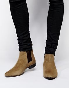 Chelsea Boots in Suede 540 ,- http://www.asos.com/ASOS/ASOS-Chelsea-Boots-in-Suede/Prod/pgeproduct.aspx?iid=4117044&cid=4209&Rf989=5023&sh=0&pge=0&pgesize=36&sort=-1&clr=Stone&totalstyles=137&gridsize=3