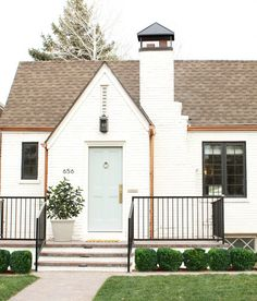 DOMINO:A 1930s Fixer-Upper Gets A Much-Needed Makeover