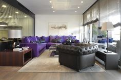 Molins Interiors // arquitectura interior - interiorismo - salón - sofá - chester - alfombra - sofá rinconero - mesa auxiliar