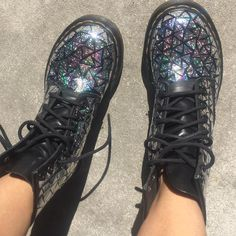 DIY Holographic Docs All you need is Holographic tape, cut it into triangles…