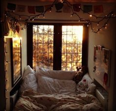 Image via We Heart It https://weheartit.com/entry/172054297/via/6307937 #autumn #autumnal #bed #bedroom #bohemian #boho #cosy #fairylights #girly #hippie #hipster #indie #inspire #light #nature #roomdecor #tumblr #roominspiration
