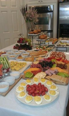 Party Dishes Party Buffet Party Platters Sandwich Platter Party Finger Foods Party Snacks Housewarming Food Laid Back Wedding Cocktail Party Food Appetizer Buffet, Appetizers Table, Mini Appetizers, Brunch Buffet, Party Buffet, Party Finger Foods, Party Snacks, Finger Foods For Wedding, Housewarming Food