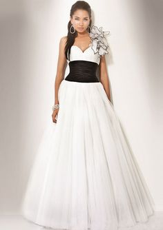 wealdress as an UK professional manufacturer online for Custom-Manual Cheap Wedding Dresses, Prom Dresses uk, Evening Gowns and bridesmaid dresses! Homecoming Dresses, Bridesmaid Dresses, Wedding Dresses, Dress Prom, Dress Long, Gown Wedding, Quinceanera Dresses, Dream Wedding, Quinceanera Ideas