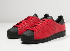 d3f1924bb9a Adidas Originals SUPERSTAR CAMO 15 Baskets basses - collegiate red core  black prix Baskets Homme
