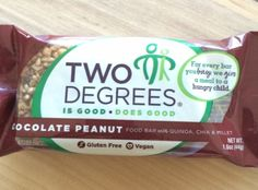 If you're a breakfast bar type of person, check out this #glutenfree Chocolate Peanut @2 Degrees Food bar! #vegan #AshleyKoffApproved