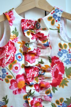 Aesthetic Nest: Sewing: Ruffled Chemise for Tess