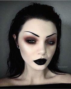 Recently, the number of those who have three-dimensional make-up is increasing. The reason for the increase in the use of makeup is that it is frequently used. Goth Eye Makeup, Witch Makeup, Gothic Makeup, Dark Makeup, Glam Makeup, Makeup Inspo, Makeup Art, Makeup Inspiration, Black Goth Makeup
