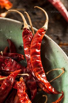 ▪ [Get Free]▢ Organic Dried Red Hot Peppers Burning Capsaicin Cayenne Chile Chili Chilli Coconut Oil Weight Loss, Varieties Of Tomatoes, Vegetables Photography, Hottest Chili Pepper, Spices And Herbs, How To Eat Less, Fruit And Veg, Stuffed Hot Peppers, Organic Recipes
