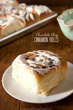 Chocolate Chip Cinnamon Rolls - quick and easy and absolutely delicious! @Anna Totten | Crunchy Creamy Sweet