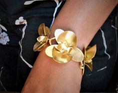 Unique handcrafted jewelry by NoufaroJewels Unusual Jewelry, Dainty Jewelry, Cute Jewelry, Modern Jewelry, Statement Jewelry, Body Adornment, Flower Bracelet, Handcrafted Jewelry, Gifts For Her