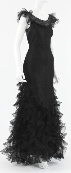 Chanel Dress - 1932 - House of Chanel - Design by Gabrielle 'Coco' Chanel - Silk.