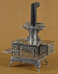 Detroit Stove Works cast iron and nickel Jewel Range Jr. salesman sample stove, 16'' h., 18'' w.