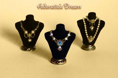 Dollhouse jewelry 1:12 scale bust display with a luxurious