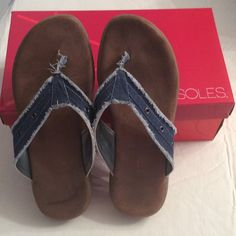 Denim Aerosoles thong sandals Extremely comfortable. Size 8 but runs a bit big. Love them but a little loose on me otherwise I would keep. But better for a wide foot  adorable on AEROSOLES Shoes Sandals