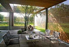Geschützte Terrasse mit Eichenboden