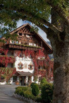 #RomantikHotelSpielmann in der #TirolerZugspitzarena umgeben von traumhafter #Natur in den Tiroler #Bergen
