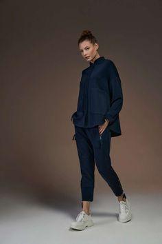 Lässig und edel zugleich - jetzt online die neuen Soldout Damenmode shoppen! Casual Styles, Normcore, Trends, Design, Fashion, Fashion Women, Moda, Fashion Styles