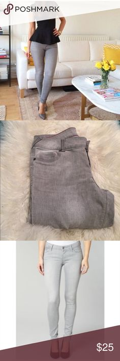 Grey Skinnies! EUC-Super cute and Comfy grey Skinnies! Soft material. Great for warm weather. Waist is 16' across laying flat. Rise is 8'. Inseam 29'. 2 front Faux pockets, 2 actual in the back. 🌟profile pic is styling idea only🌟 Maurices Pants Skinny