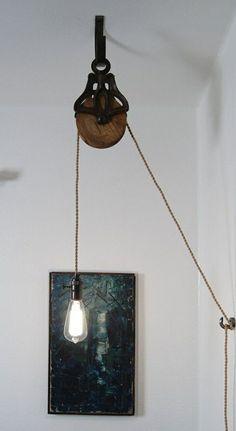 Eine höhenverstellbare Lampe. Cool.