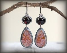 Agua Nueva Agate earrings with faceted garnet. by ForestBook