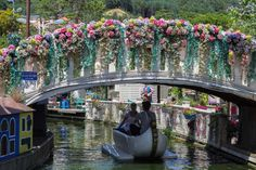Pocheon Herb Island is the Most Random Theme Park in Korea - Bobo and ChiChi - Gondola-Ride