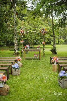 Casamentodedia_campo – 025 - Everything About WEDDiNG Wedding Ceremony Ideas, Wedding Bench, Wedding Aisle Outdoor, Wedding Altars, Wedding Entrance, Wedding Sets, Garden Wedding, Floral Wedding, Rustic Wedding