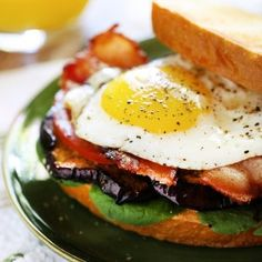 T Sandwiches.T Sandwiches! Bacon Eggplant Egg & Tomato come together in this drool-worthy breakfast sandwich. No Carb Recipes, Pork Recipes, Cooking Recipes, Easy Recipes, Sandwich Day, Bacon Sandwich, Baked Burritos, Vegetarian Main Dishes, Wrap Sandwiches