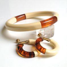 Bakelite Laminated to Lucite Bangle Bracelet & Earring Set