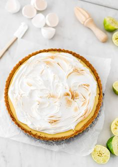 A lemon meringue pie is a dessert that everyone likes. This one is a lime meringue pie because I love the tanginess that the lime brings to the recipe. Pastry Shop Interior, Lime Meringue Pie, Condensed Milk Cookies, Relleno, Cravings, Food And Drink, Lemon, Sweet, Desserts