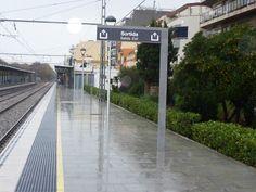 #estació #rodalies #renfe #adif #Estación de #Calella,  #catalonia #catalunya #Cataluña. #Proyectos de #señalización #senyalització #signaling #labeling #lettering #station #railway. #EssaPunt Essa Punt