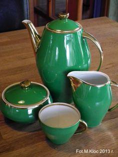 Vintage Tea, Vintage Ceramic, Chocolate Pots, Coffee Set, Tea Set, Tea Cups, Pottery, Tableware, Glass