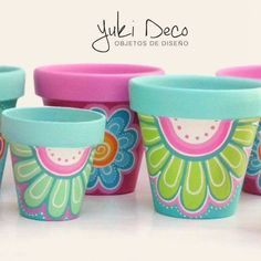 Best diy garden pots cement terra cotta 23 ideas – Modern – Keep up with the times. Flower Pot Art, Flower Pot Design, Clay Flower Pots, Flower Pot Crafts, Clay Pots, Diy Flower, Clay Pot Projects, Clay Pot Crafts, Painted Plant Pots