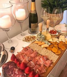 Party Food Platters, Romantic Dinner Recipes, Good Food, Yummy Food, Night Food, Aesthetic Food, Clean Eating Snacks, Food Pictures, Finger Foods