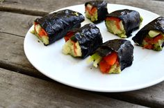 Paleo sushi rolls, the easiest and healthy lunch or dinner that is fast to throw together. Great for all ages with brain boosting ingredients! Paleo Sushi, Low Carb Sushi, Sushi Recipes, Raw Food Recipes, Keto Recipes, Keto Foods, Keto Snacks, Easy Recipes, Easy Healthy Dinners
