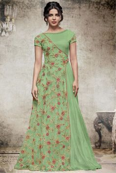 This Exclusive Gown Is An Ultimate Wedding Wear Collection With The Mesmerizing Colours Of Green . With The Artistic Embroidery,Lace Work,Zari Work And Leave No Stone Unturned And Be At Your Fashion. Source by yayuksamgres dresses indian Indian Designer Outfits, Indian Outfits, Designer Dresses, Indian Clothes, Green Wedding Guest Dresses, Trendy Dresses, Fashion Dresses, Emo Fashion, Long Gown Dress
