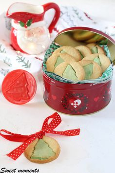 #nataledafare #gialloblog #natale2019ricette #christmasrecipes #recipes #cookies #biscotti #pastafrolla #natale #fiocchidineve Moscow Mule Mugs, Pasta, Biscotti, Vegetables, Cooking, Tableware, Grande, Challenge, Food