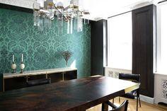 Un appartamento nel Greenwich Village: Creatività No Limits Decor, Furniture, Conference Room, Room, Dining Table, Table, Home Decor, Conference Room Table, Greenwich Village