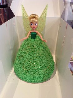 A BEAUTIFUL green fairy dolly varden cake... isn't she divine!