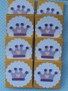 Este bloquinho personalizado é uma ótima sugestão para lembrancinha para chá de bebê, maternidade ou aniversário  É um presente fofo e útil!  www.amornopapel.com.br