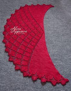 Ravelry: Carmina Florum Lace Shawl pattern by Alina Appasov