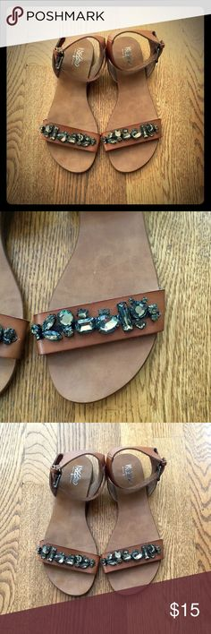 EUC Mossimo Supply Co flat sandal ✨ Excellent condition, worn once! Flat sandal with stones across front strap, ankle buckle. Super cute! Mossimo Supply Co Shoes Sandals