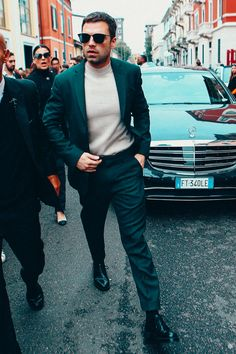 Sebastian Stan lookin like a diva 👑 👑 Bucky Barnes, Sebastian Stan Photoshoot, Sebastin Stan, Celebrity Film, Alexander Skarsgard, Most Beautiful Man, Winter Soldier, Chris Hemsworth, Scarlett Johansson
