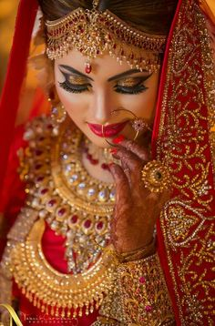 bridal jewelry for the radiant bride Indian Wedding Couple Photography, Indian Wedding Bride, Bridal Photography, Wedding Girl, Indian Wedding Jewelry, Tree Photography, Jewelry Photography, Wedding Couples, Indian Bridal Photos