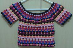 Cropped em croche-Restinhos de linhas