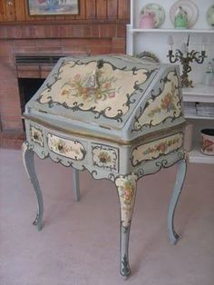 Love this French blue floral writing desk! Beautiful for a French or cottage home. #frenchcountry #cottagestyle