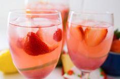 Lemon Berry  1 part Pinnacle® Berry Vodka  1 part DeKuyper® Razzmatazz Raspberry Liqueur  2 parts Lemonade  Mix in a glass with ice and garnish with fresh berries.