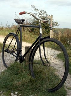 FN Fabrique Nationale 'Acatene' Shaft-drive (Chainless) Gent's Bicycle (Belgian) Antique Bicycles, Push Bikes, Old Bicycle, Antiques, Wheeling, Bicycling, Chain, Bicycles, Frames